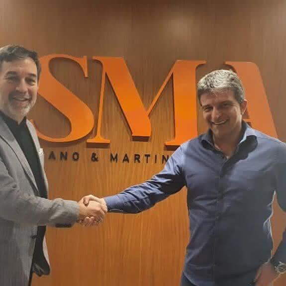 Leven Siano e Adrián Castellanos