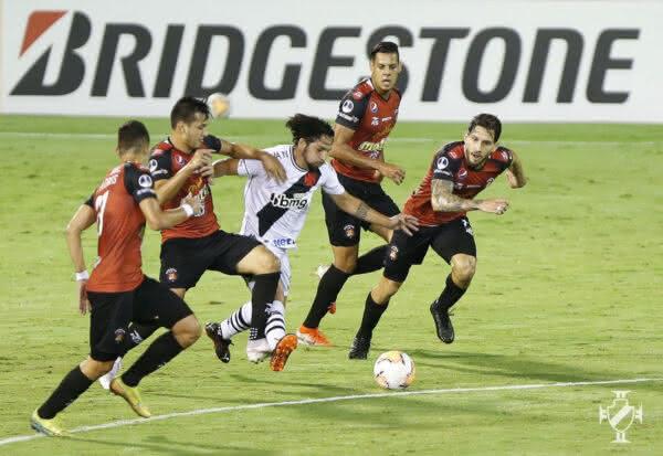 Martín Benítez durante o jogo contra o Caracas