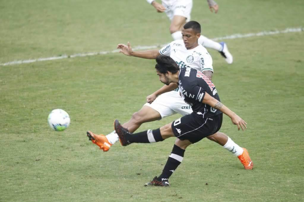 Martín Benítez em jogo contra o Palmeiras