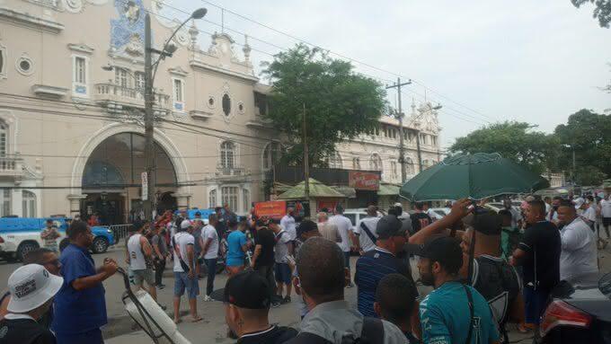 Protesto no Estádio de São Januário