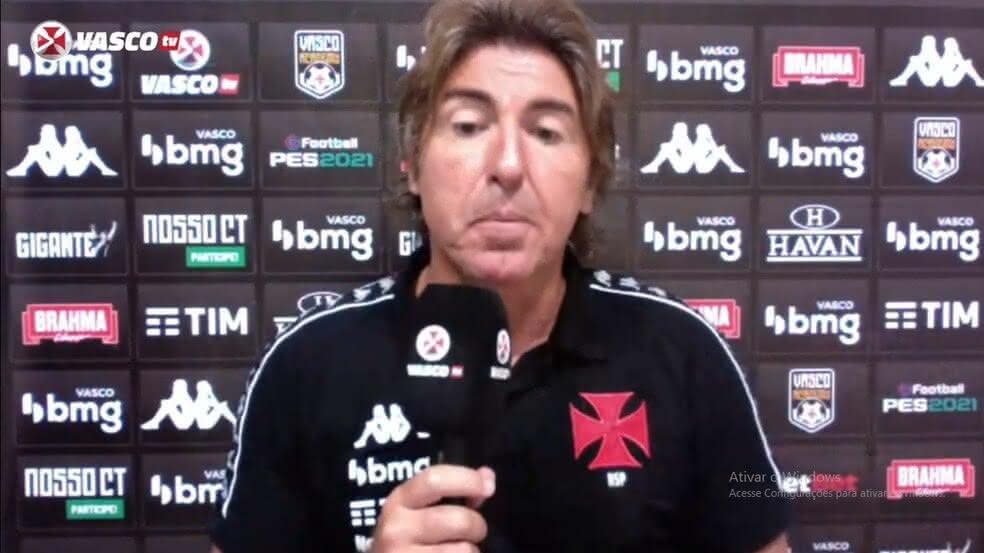 Ricardo Sá Pinto durante entrevista