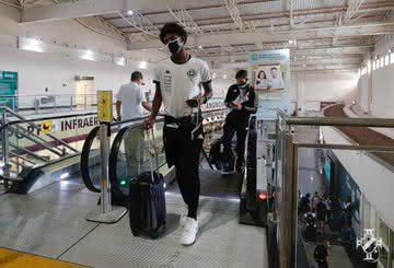 Vasco embarcando com destino a Caracas