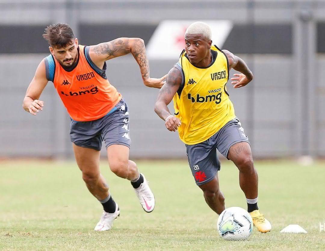 Lucas Santos e Ricardo Graça em treino do Vasco