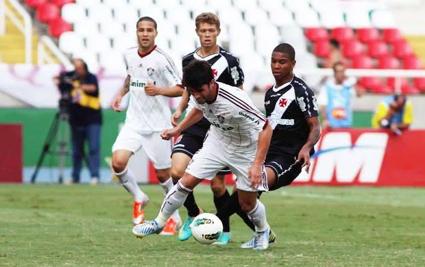 Vasco e Fluminense duelam pelo Campeonato Brasileiro de 2012