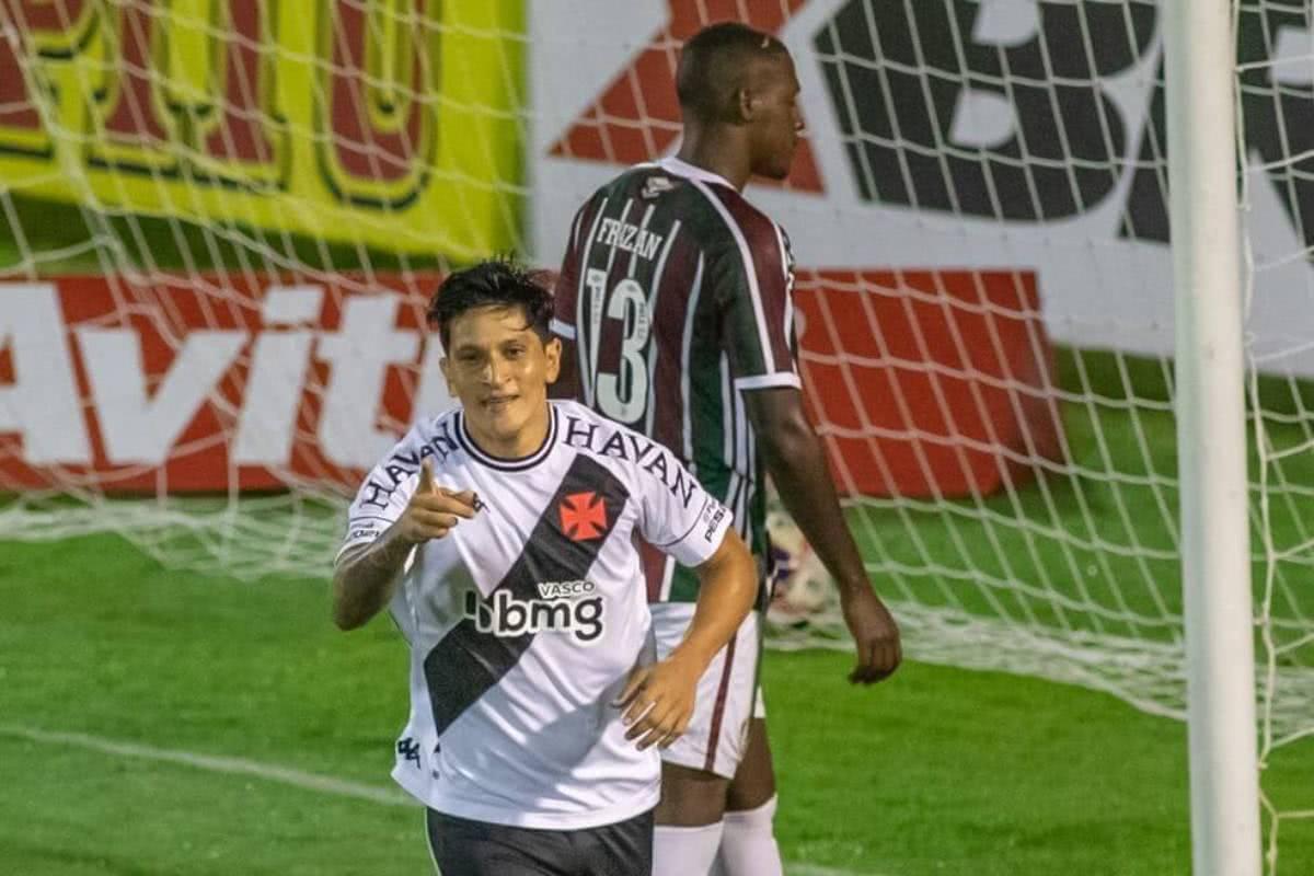 Germán Cano comemorando gol contra o Fluminense