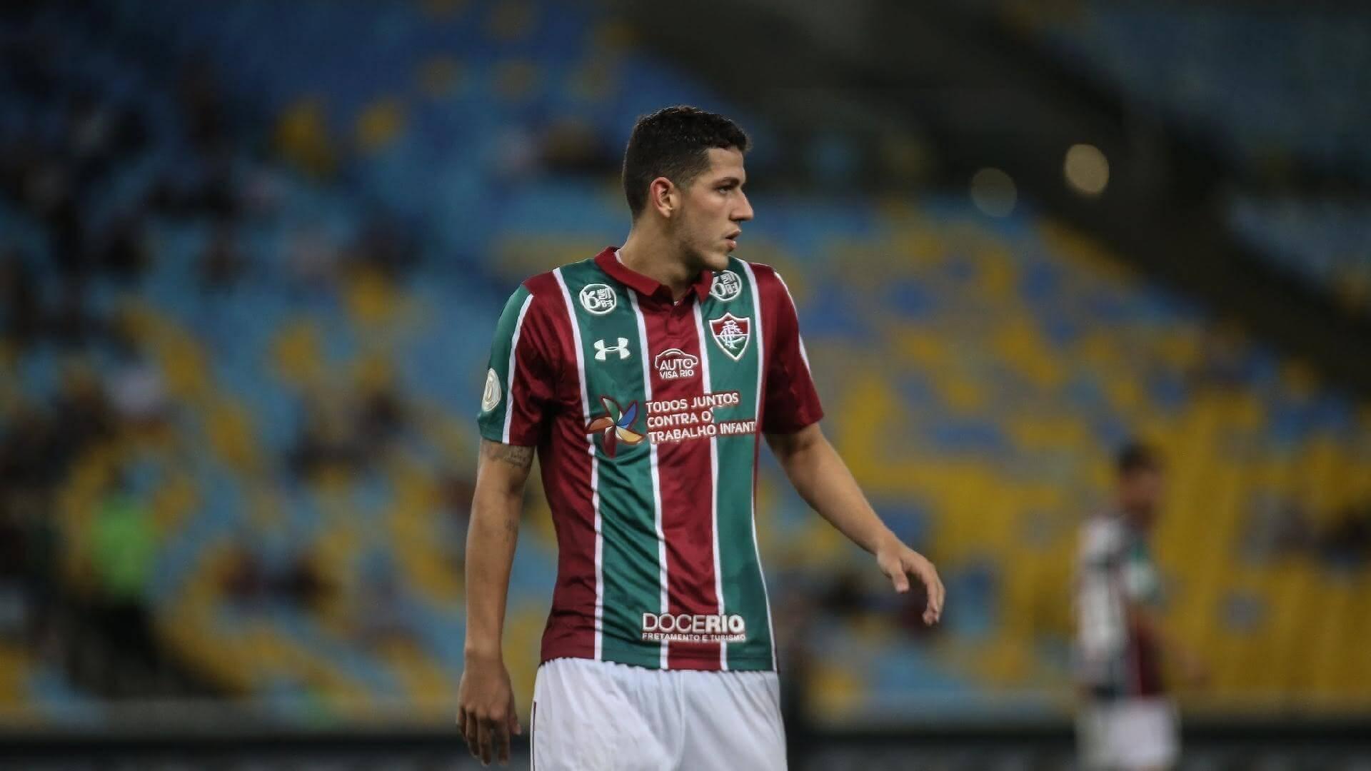 Nino, zagueiro do Fluminense