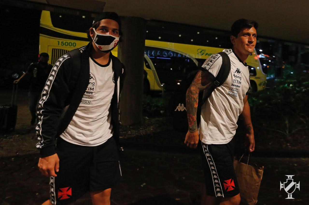 Germán Cano e Martín Benítez chegando a São Paulo