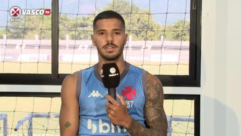 Henrique durante entrevista à Vasco TV