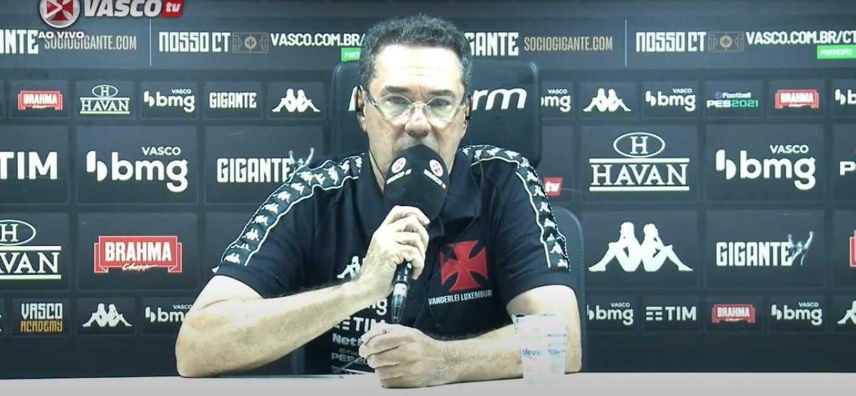 Vanderlei Luxemburgo, técnico do Vasco, em entrevista coletiva