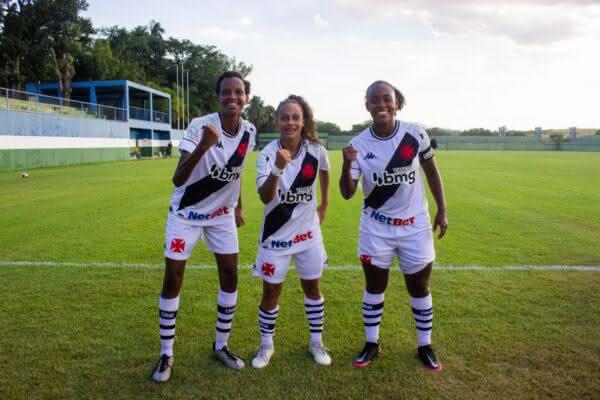 Bebel, Julianinha e Ju Pacheco contra a Portuguesa