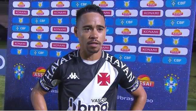 Yago Pikachu durante entrevista após vitória contra o Botafogo