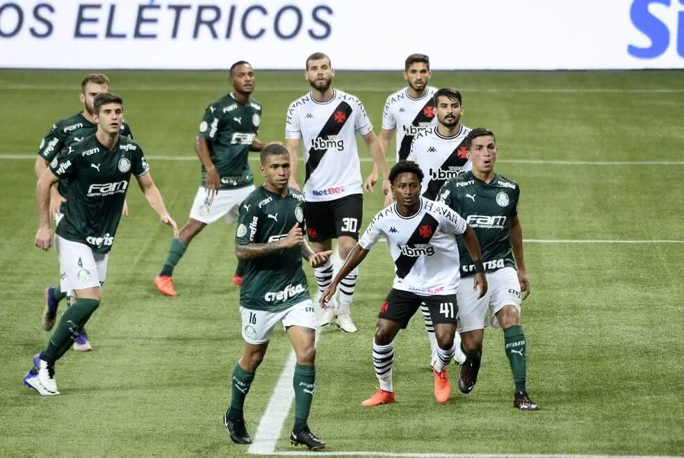 Ricardo Graça durante o jogo contra o Palmeiras