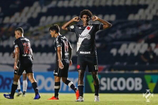 Talles marca 1º gol do Vasco contra o Botafogo