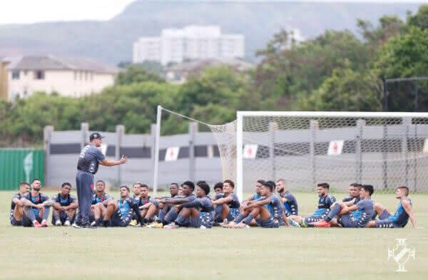 Elenco do Vasco no treino deste domingo