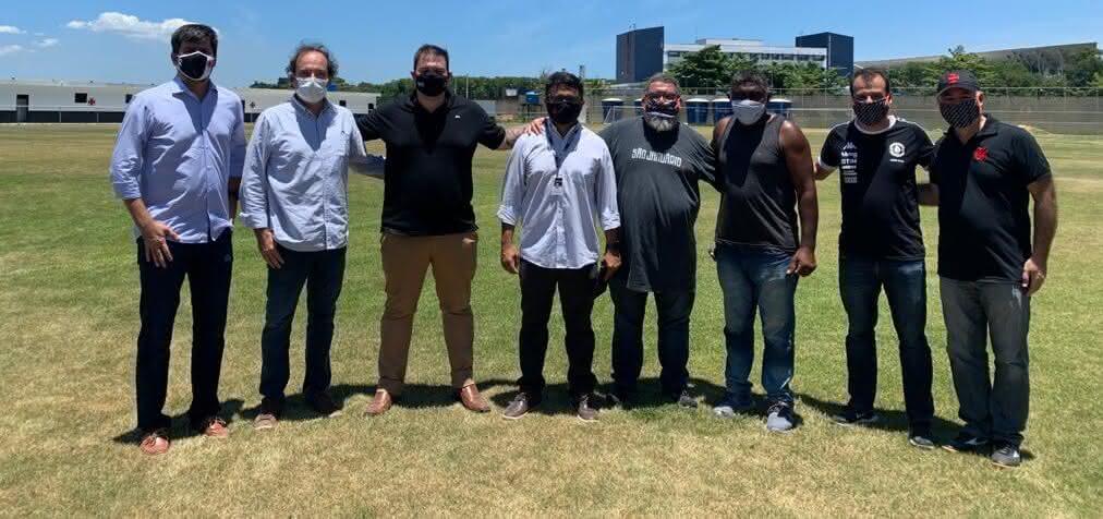VPs e vices gerais do Vasco em visita ao CT de Caxias