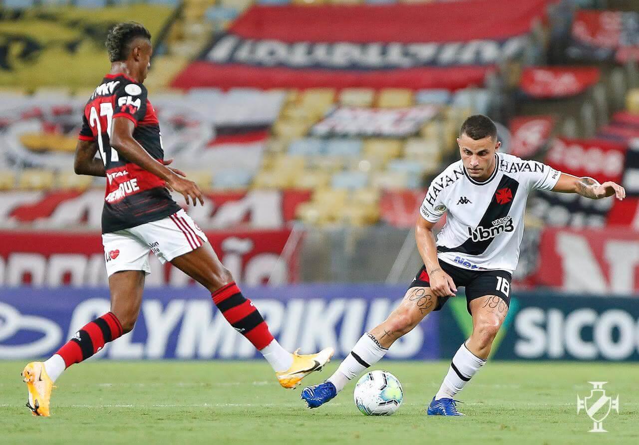 Bruno Gomes durante jogo contra o Flamengo