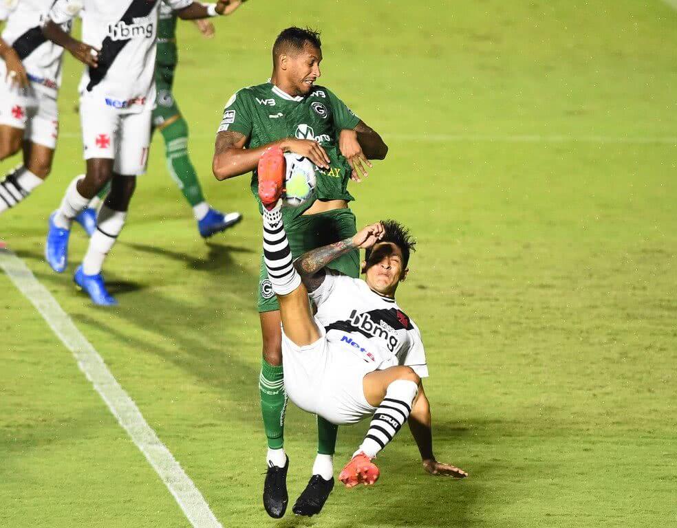Germán Cano durante o jogo contra o Goiás