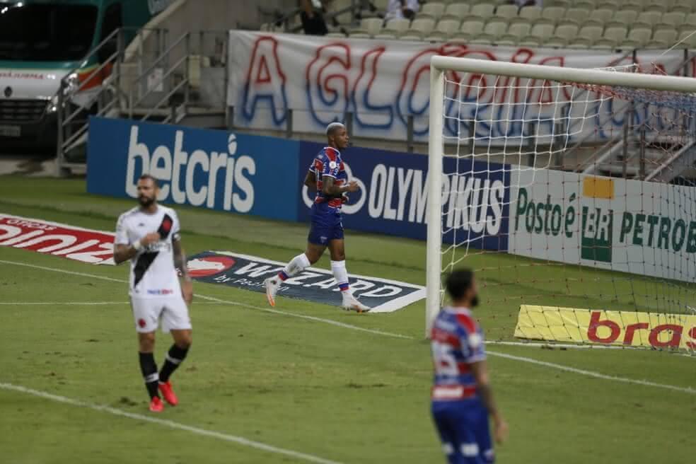 Leandro Castan durante o jogo contra o Fortaleza