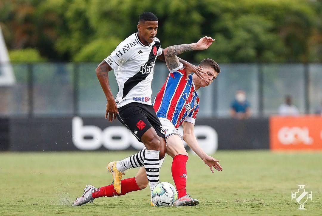 Ygor Catatau durante o jogo conta o Bahia