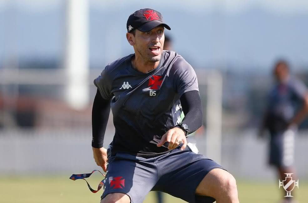 Diogo Siston, técnico do Sub-20 do Vasco