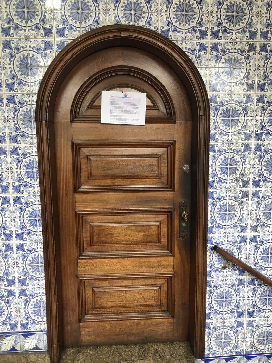 Força Jovem coloca carta na sala da presidência de São Januário