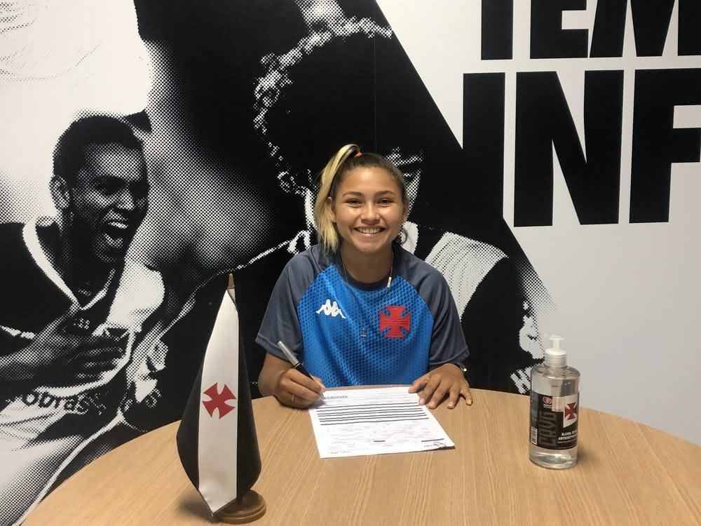 Nayra Pimentinha está no Vasco desde outubro de 2020