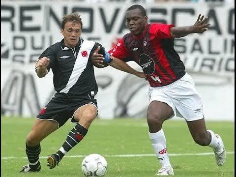 Petkovic em ação pelo Vasco da Gama em 2004