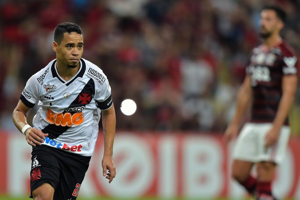 Yago Pikachu comemorando gol pelo Vasco em clássico contra o Flamengo no Brasileiro 2019
