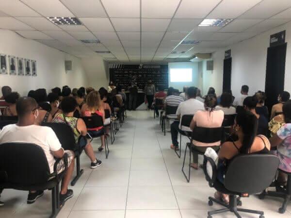 Reunião do Colégio Vasco da Gama com pais de alunos