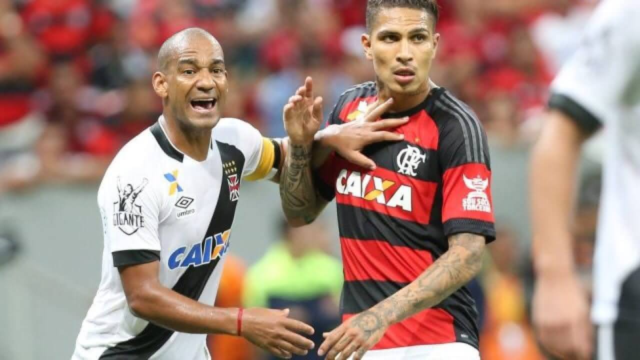 Rodrigo marca Guerrero em jogo contra o Flamengo