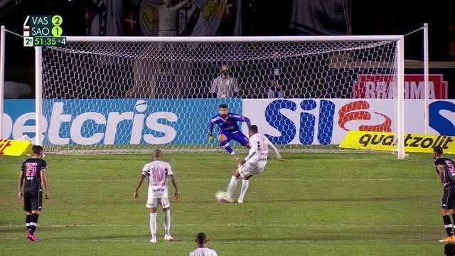 Reinaldo batendo pênalti em Vasco 2 x 1 São Paulo