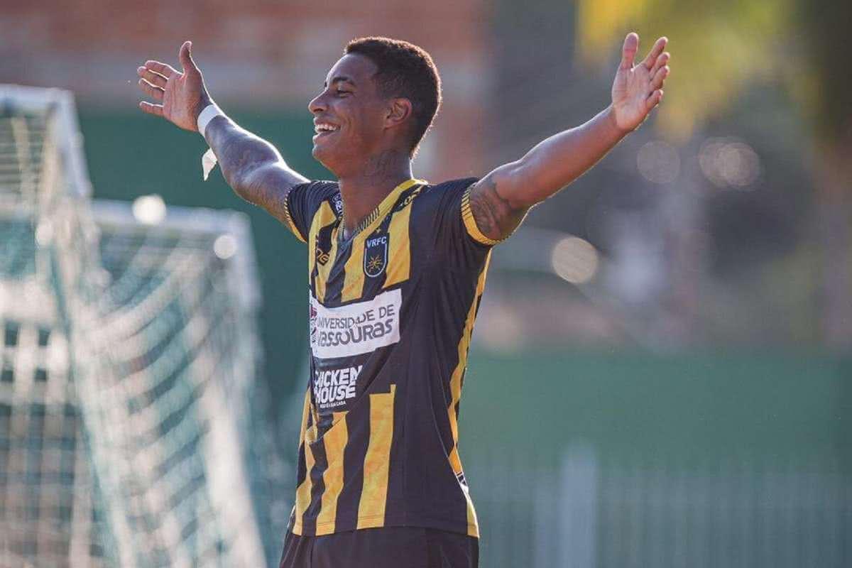 Alef Manga, atacante do Volta Redonda