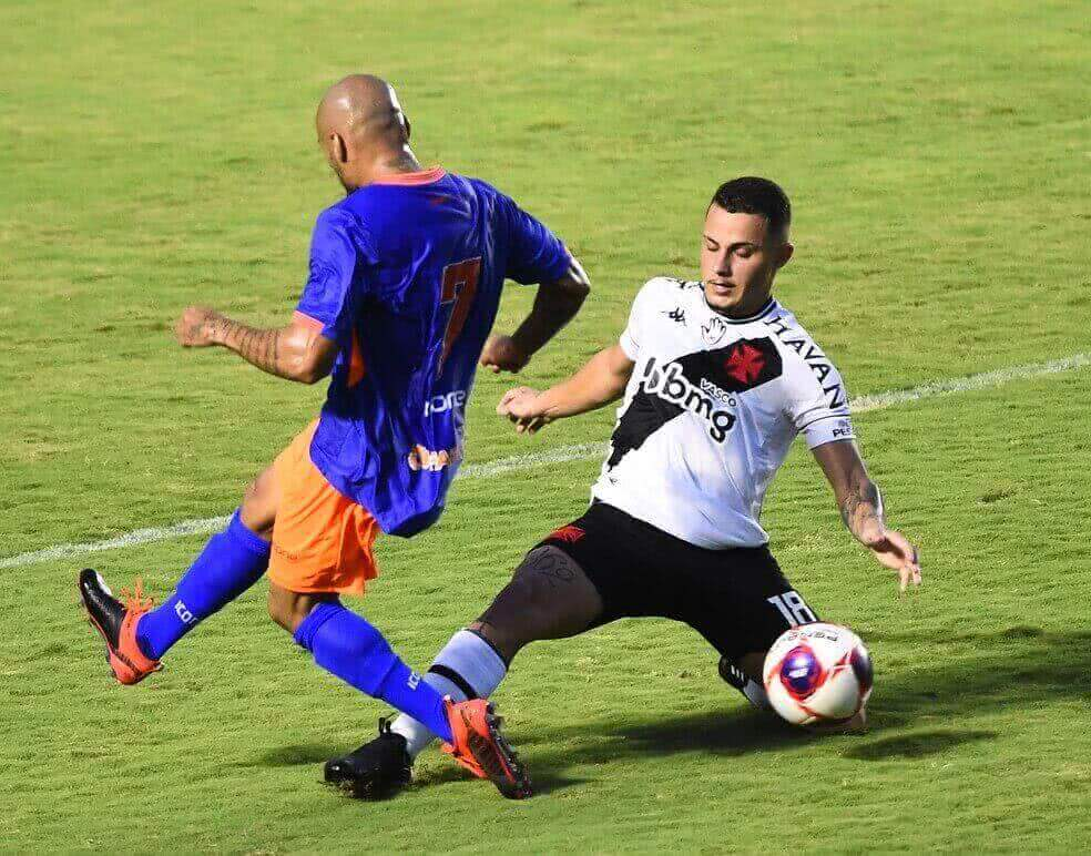 Bruno Gomes durante o jogo contra o Nova Iguaçu