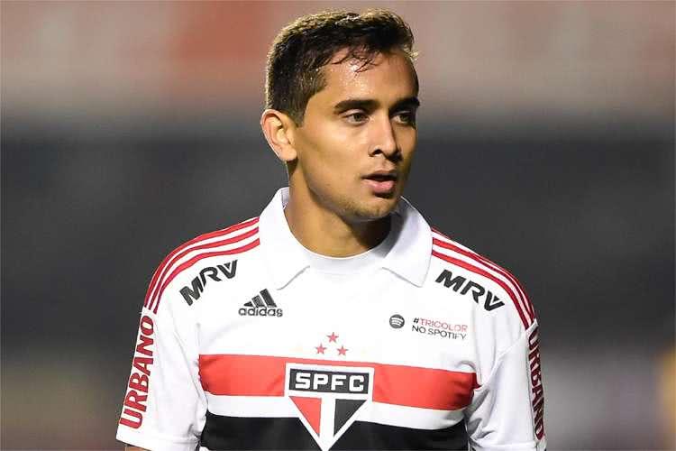 Everton Felipe não se firmou no São Paulo