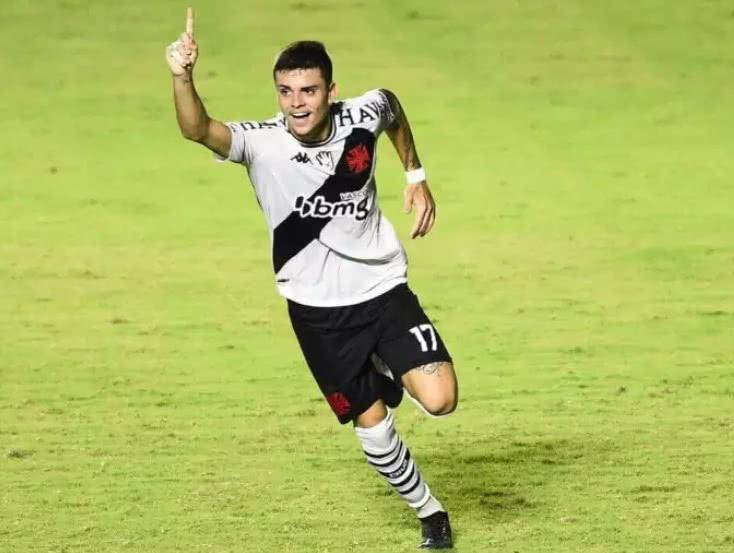 Gabriel Pec comemorando gol contra o Nova Iguaçu
