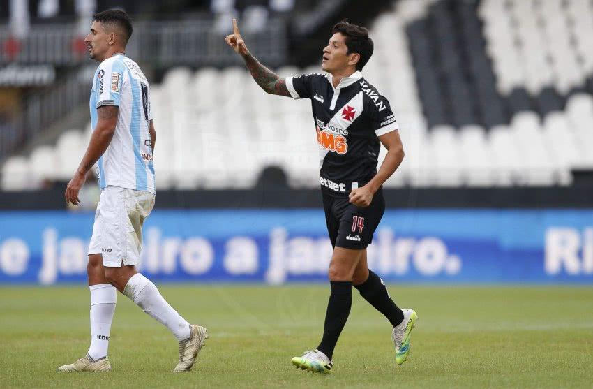 Germán Cano comemorando gol pelo Vasco contra o Macaé em 2020
