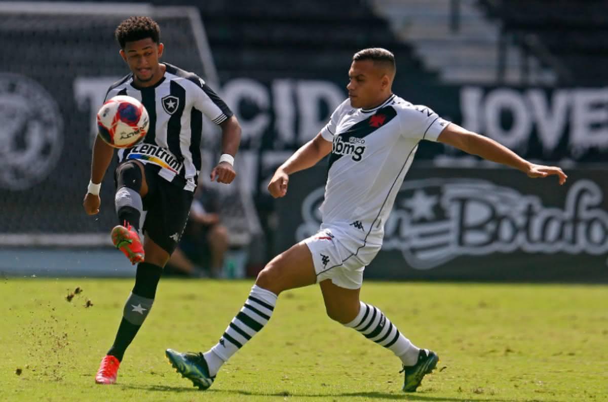 Léo Jabá durante jogo contra o Botafogo