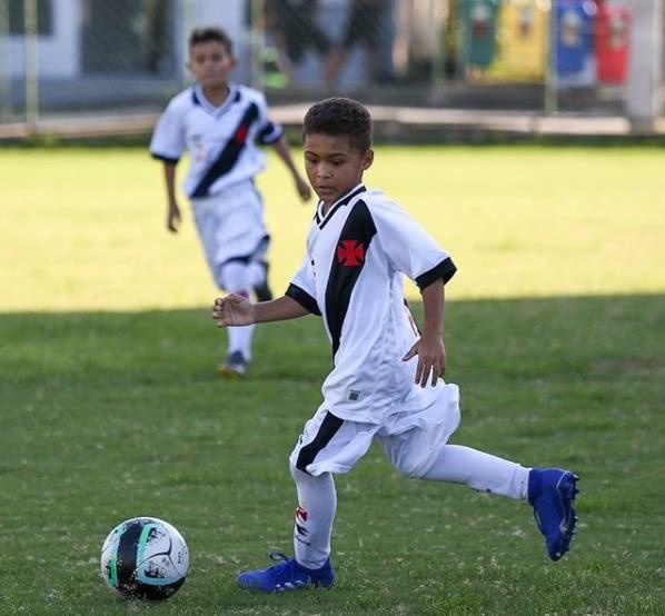 Luiz Miguel, atleta do Sub-9 do Vasco