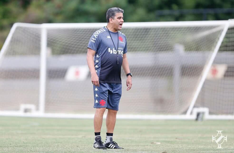 Marcelo Cabo comanda 1º treino no Vasco