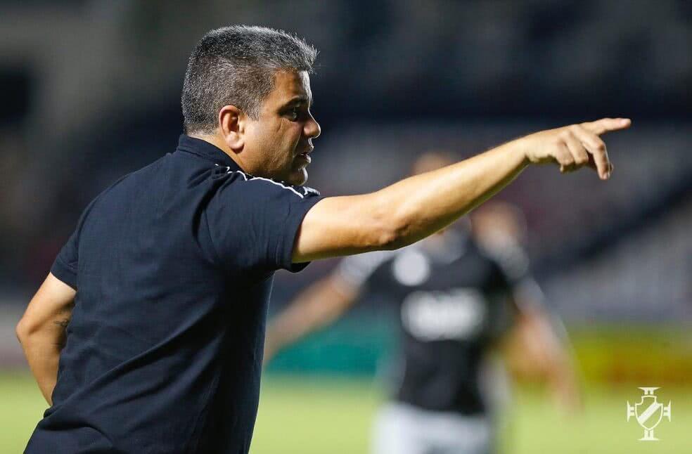 Marcelo Cabo durante o jogo contra o Macaé