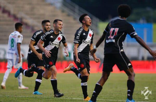 Marquinhos Gabriel comemorando gol contra a Caldense