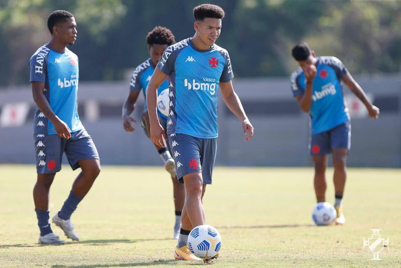 Marquinhos Gabriel durante treino do Vasco nesta terça-feira