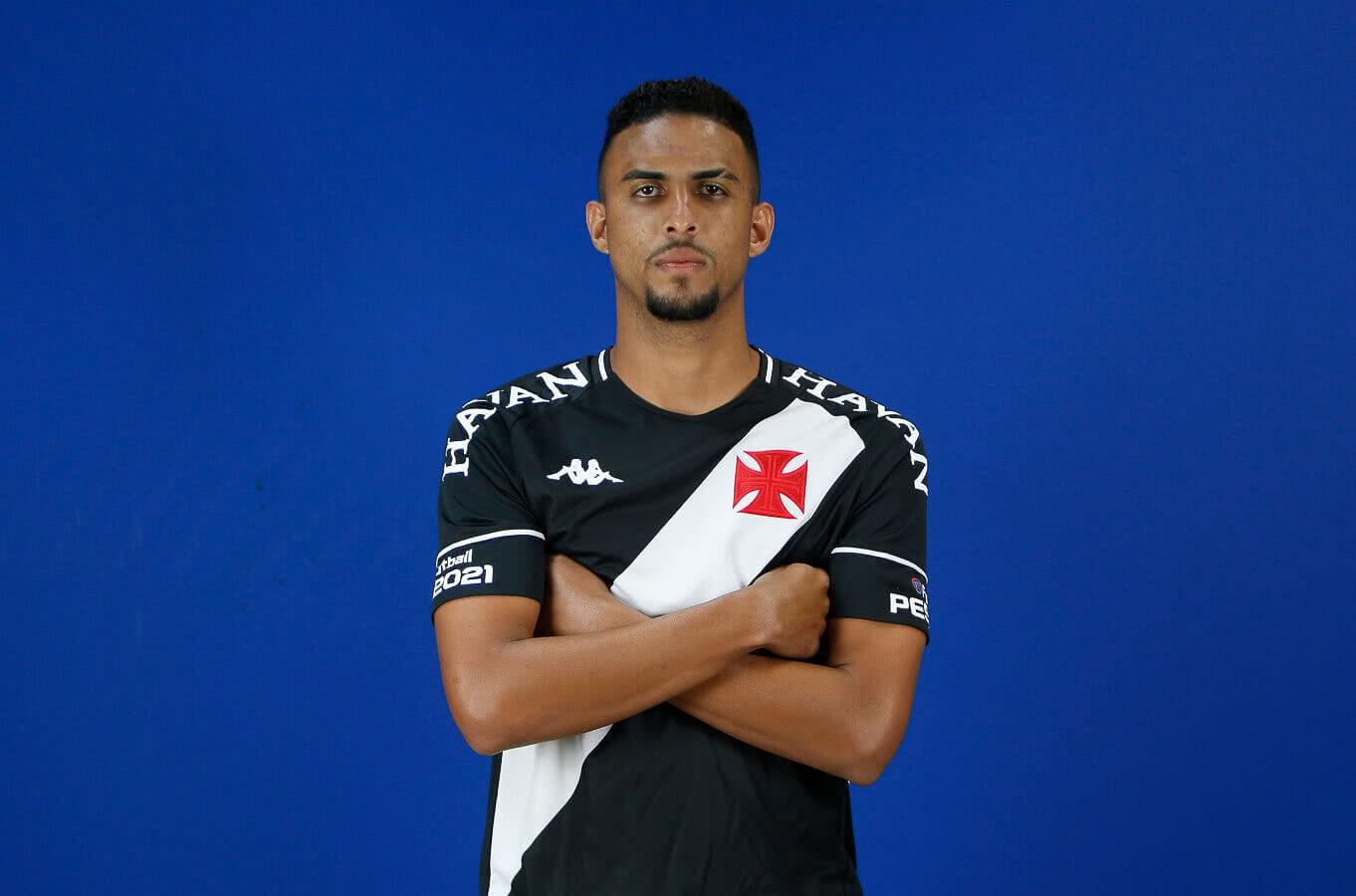 Menezes, zagueiro do Vasco