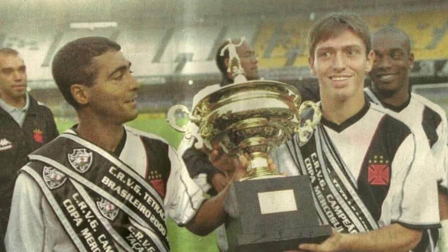 Diogo Siston e Romário quando jogavam pelo Vasco em 2000