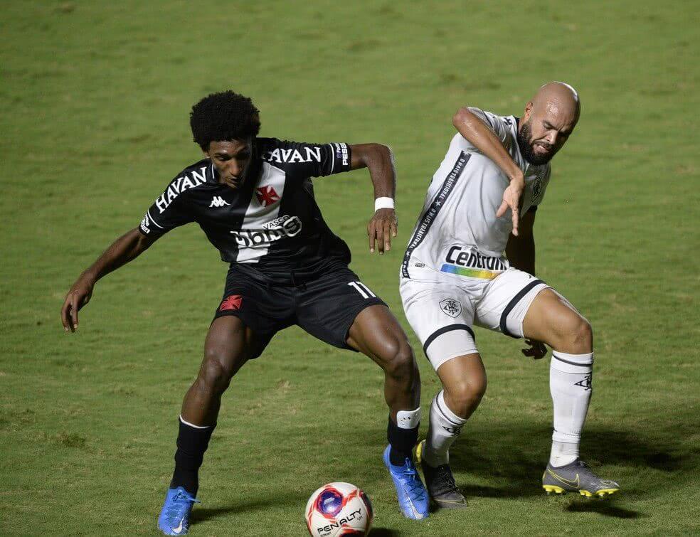 Talles durante o jogo contra o Botafogo