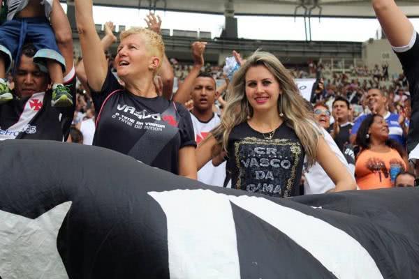 Torcedoras do Vasco em jogo no Maracanã