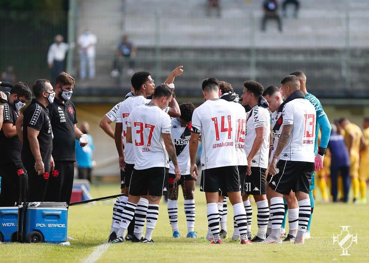 Time do Vasco em partida contra o Madureira