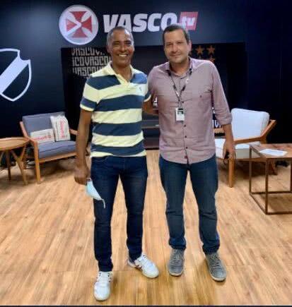 Vitor Roma e Ernani no estúdio da Vasco TV