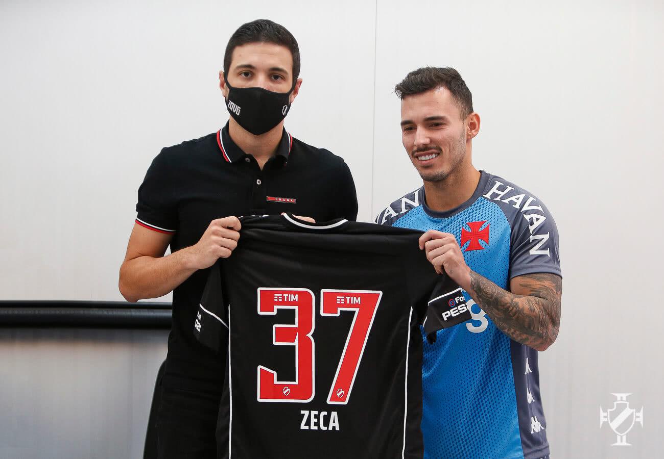 Zeca durante apresentação pelo Vasco
