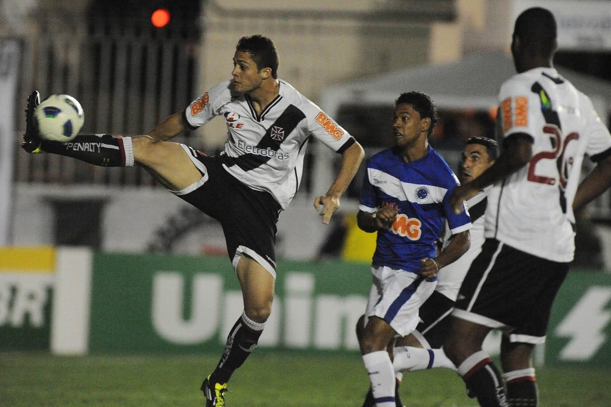 Dedé e Anderson Martins formaram zaga no Vasco em 2011